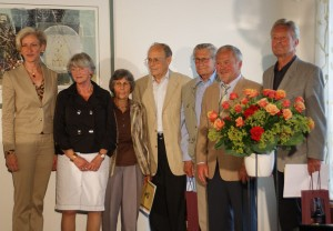 Ehrung der Gründungsmitglieder, von lks nach re: Bezirksvorsteherin  Ulrike Zich, Vorsitzende Erika Porten, Renate Obermayer, Heiner Obermayer, Willy Stoll, Ulrich Hörnle, Reinhard Wiese.